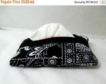Flash Sale Quilted Tissue Holder Pocket Size Flowers Black White
