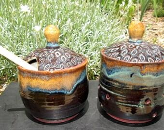 Honey Pot/Sugar Jar in Rich Oatmeal/Blue/Brown