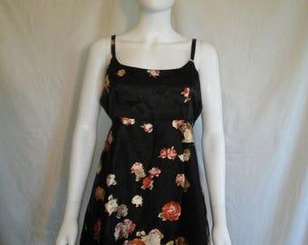 Closing shop SALE 40% off 90s short floral dress