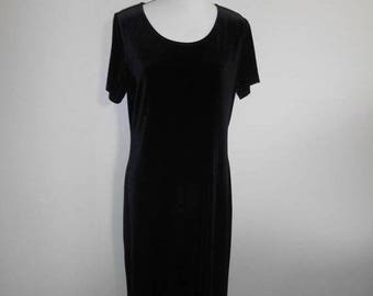 Closing Shop 40%off SALE Vintage 90's  stretch black velvet  dress long maxi     womens women clothing clothes