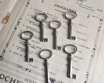 """Rounded Silver Key pendants - 6 pieces - 40mm 1"""" 1/2 - plated"""