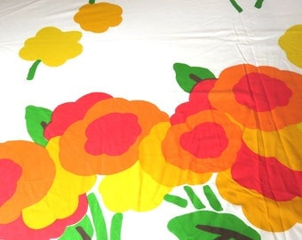 Vintage 1970s Marimekko Fabric Bed Sheet and Pillow Case, Fieldcrest, Large Mod Flowers, Morning design Bedding, Orange and Yellow