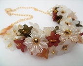 Floral Statement Necklace, Fall Colours, Necklace with Pearls, One of a Kind Jewelry, Necklace with Flowers, Autumn Jewelry, Pretty Necklace