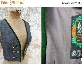 ON SALE Vintage 1970/70s German / Austrian/Tyrol grey wool dirndl corset bustier top size XS