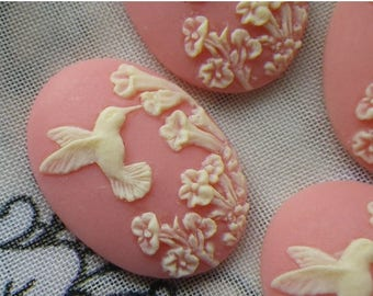 SALE 20% Off Dainty Pink Hummingbird 25x18mm Cameos in Resin 4 Pcs