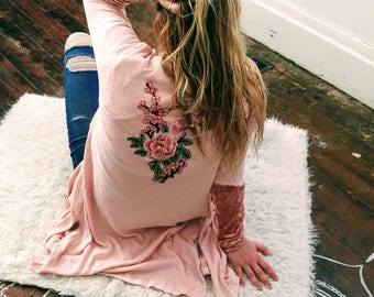 Long pink sweater cardigan with  flowers and velvet