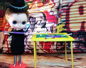 Blythe Doll Pool Billiard Table and Bowler Hat Set