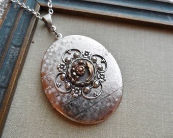 Daisy, Vintage Silver Tone Locket with Victorian Button