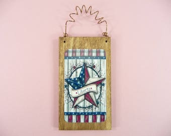 LITTLE WOOD SIGN Liberty Star Wreath Americana Homespun Holiday Tree Ornament Home Decor Office Cute Gift Idea Country Prim