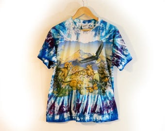 Vintage 90s T-Shirt, Cool Tie Dye with Nature Graphics Animals Eagle Mountains, Artwear brand, Hippie Casual Colorful Unique and Artsy
