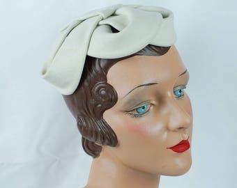 1950s Vintage Hat Winter White Felt Weave Toque Custom