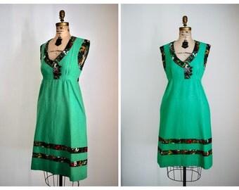 1970s Vintage Kelly Green Dress | 70s Sleeveless Jumper