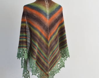 Knitted shawl with crochet lace trim