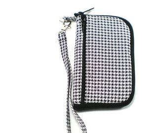 Summer Clearance iPod Case, iPhone Cell Phone Case, Smartphone Phone, Wristlet,  Black and White Houndstooth