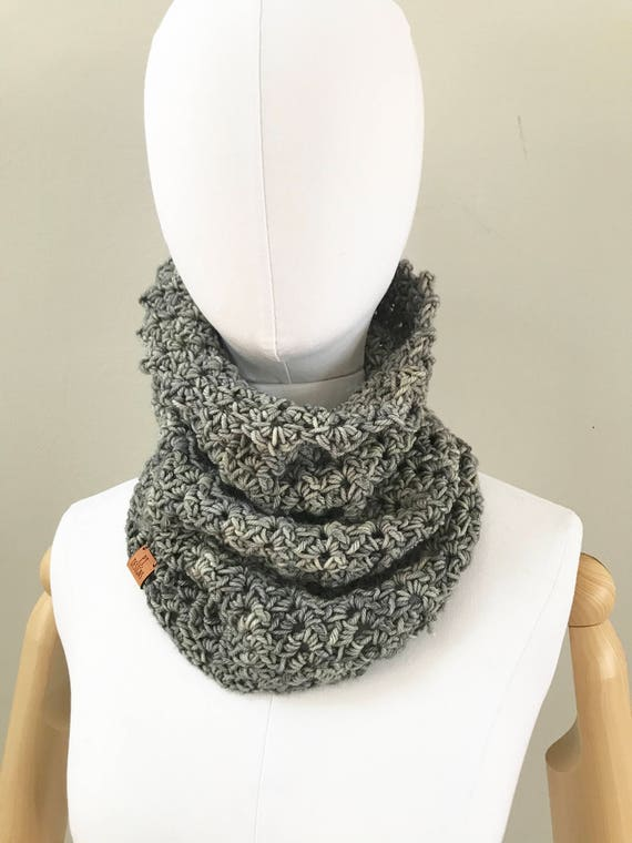 Merino Wool Cowl : Smoky Gray