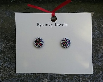 Tiny red and yellow star goose eggshell pysanky post earrings