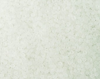 Glass Seed Bead 15g 12/0 Wedding White Frosted Round 1mm (1016see12m-01-7)