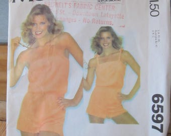 1979 McCall's Easy Pattern 6597 - Size Small - Jumper