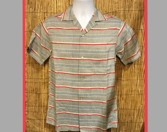 Vintage 1950s stripe loop collar shirt. Size small