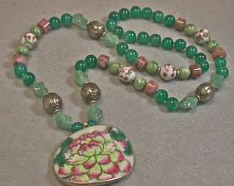 Vintage Chinese Apple Jade Bead Hand Knotted Necklace,Antique Qing Porcelain Pendant,Antique Chinese Silver,Vintage Emerald Green Chalcedony