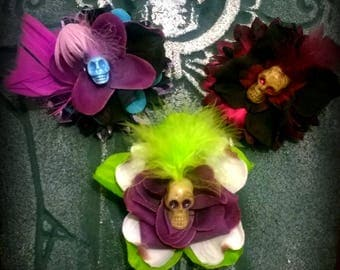 Pin: Dead Girl Decay -  Skull Flowers Feathers Handmade Accessory Gothic Boutineers