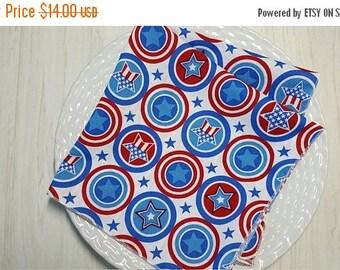 ON SALE 4th of July Cloth Napkins Stars Stripes Circles Patriotic Set of 4