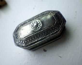Vintage Pill box - Hinged Lid - Silver Metal