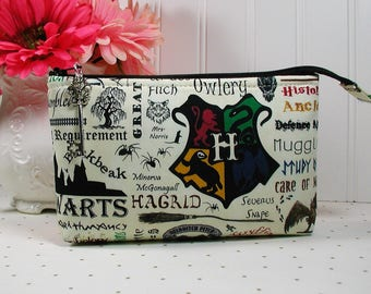 Hogwarts Zipper Pouch/ Wizards Pouch /Harry Potter Pouch/ Magic School Pouch