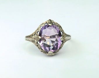 Art Deco 14K Amethyst Ring White Gold Filigree Beautifully Faceted Light Amethyst
