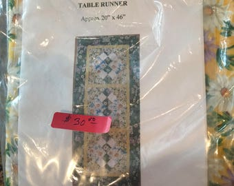 Table runner kit