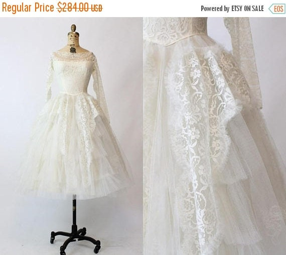 35 SALE 50s Lace Wedding Gown XS 1950s Vintage Tea Length