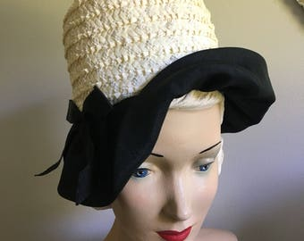 Elegant Vintage 1950's 1960's Off White and Black Bow Cloche Hat