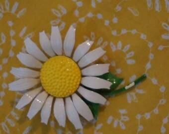 Vintage White Daisy Metal Pin  Daisy Pin with Yellow Center  1960's Retro  Happy Daisy Brooch