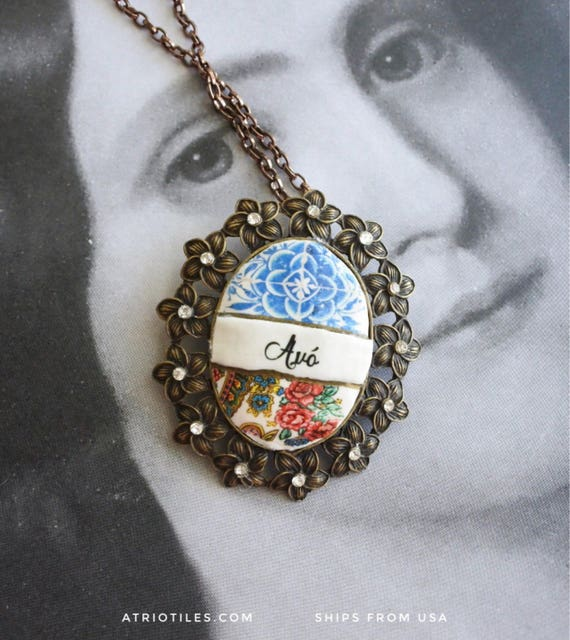 Portugal Avó Grandmother Necklace Portuguese -  Portugal Antique 16th century Azulejo Tile Replicas -