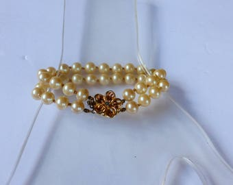 50s/60s Vintage Glass Pearl Bracelet with Flower Clasp
