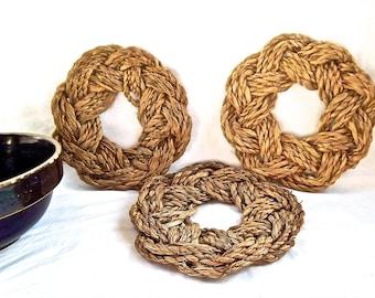 Vintage Nautical Rope Wreath Trivet Vintage Turk's Head Knot Hot Pad Trivet Woven Rope Trivet Vintage Home and Living Kitchen Serving Trivet