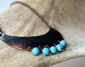 ON SALE Rustic necklace, hammered copper necklace with howlite beads - Siri