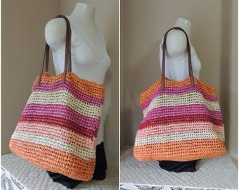 Large Old Navy Shopping Tote. Woven Paper Multi Colored Purse. Five Color Striped Lined Summer Beach Bag. Orange, Peach, Red and Creme Purse
