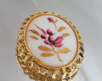 SALE Vintage Handpainted Brooch Pendant. Pink & Gilt Gold Flowers. Cameo Pin.