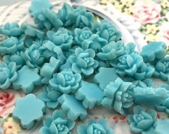 Vintage lucite roses, rose cabochons,vintage rose cabochons,cabochon lot,blue roses,blue rose cabochons G86BS