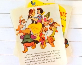 Vintage Children's Book Pages  / Snow White / Old Book Pages