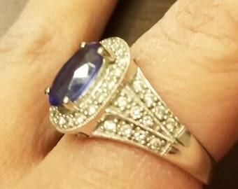 Estate 14K Vintage Oval Tanzanite and Diamond Ring. Size 7. (Sizable)