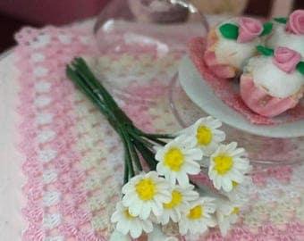 SALE Miniature Daisies, 12 Stem Bunch, Dollhouse Miniature, 1:12 Scale Dollhouse Flowers, Garden Decor, Miniature Flowers, Mini Daisy With S