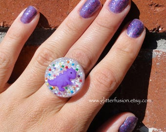 Purple Dinosaur Kawaii Rainbow Candy Sprinkles Resin Ring, Cute Cupcake Sprinkles Resin Snow Globe Statement Ring, Iridescent Glitter Bubble
