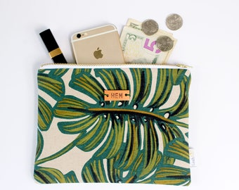 tropical plant pouch, monstera clutch, botanical zipper pouch, personalized gift for plant lady, tropical print bag, monstera accessories