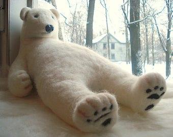 Big white wool polar bear - Handmade needle felted work - Gift