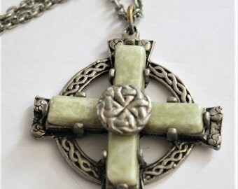 Celtic cross pendant. Vintage Scottish pendant.  Green pendant. Vintage jewellery