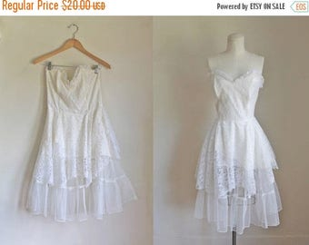 AWAY SALE 20% off vintage 1980s wedding dress - GUNNE Sax 50s style party dress / S/M