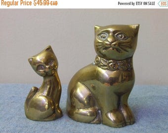 CLEARANCE Pair of Brass Cats Vintage Home Decor Figurine Figures Heavy Cute Kitties Kitty Cat