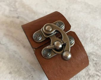 Women's Brown Leather Cuff with Flip Latch Closure (Size 6.25Inches)